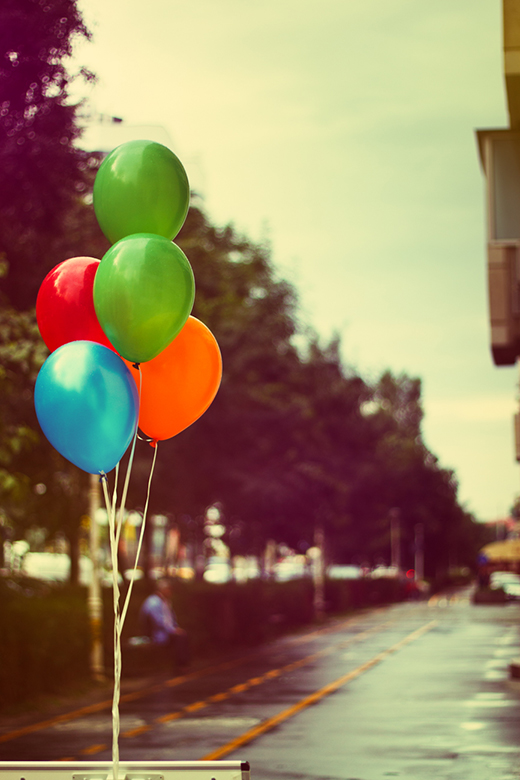 day-301-life-is-better-through-colorful-balloons