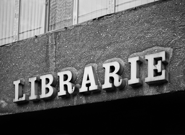 librarie-signs-of-the-past